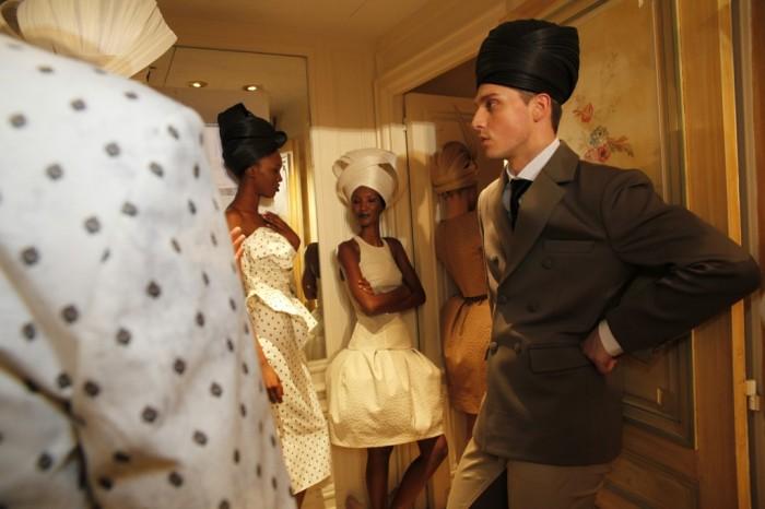 Dans les coulisses du défilé Couture Printemps Eté 2012 Didit Hediprasetyo