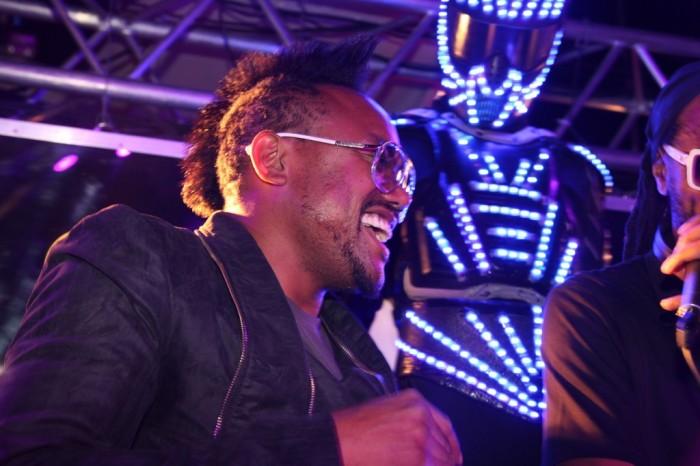 APL.DE.AP fête le lancement de la tournée AXE BOAT 2012