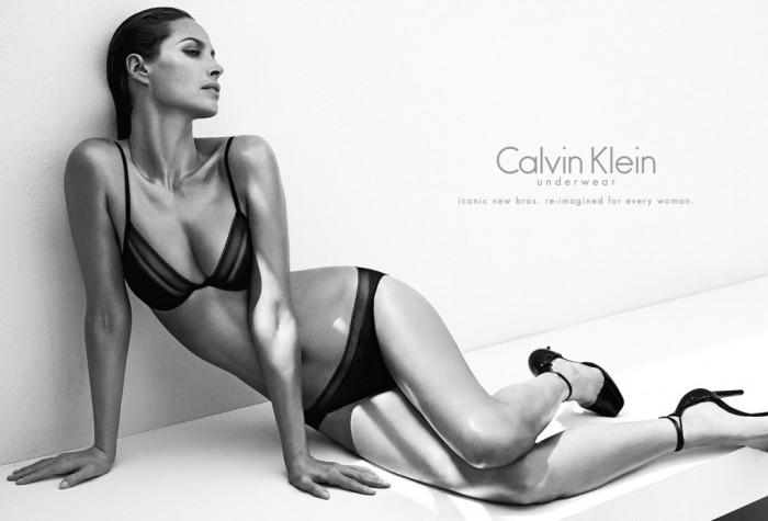 Christy Turlington x Calvin Klein Underwear, la campagne enfin dévoilée
