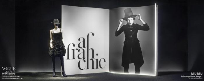 Vogue Paris met en scène les vitrines du Printemps Haussmann