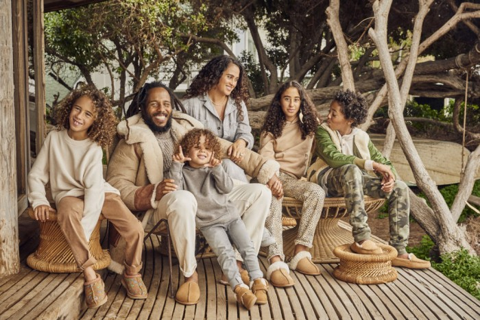 UGG célèbre Noël avec la famille Marley