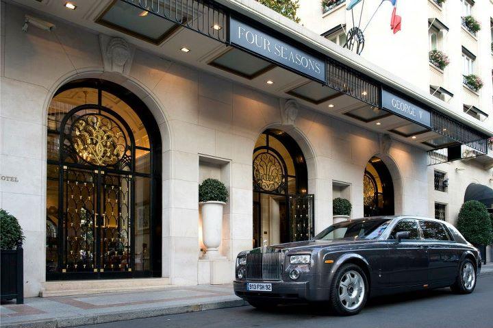 Four seasons hotel george v paris le palace