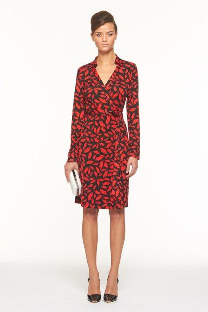 La fameuse robe,portefeuille se pare de rouges baisers avec l\u0027imprimé Lips,  une paire d\u0027écouteurs pour iPhone est ornée de cœurs, un tee,shirt en coton  nous