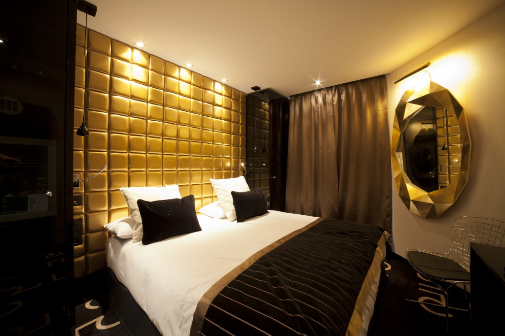 Moquette Rouge Salon : Une nuit avec marilyn au platine hôtel maryo s bazaar