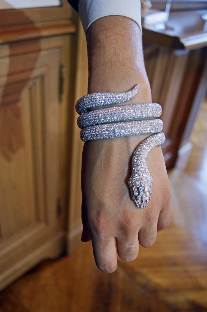 Bracelet en or en forme de serpent