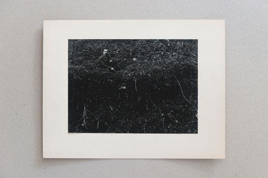 Guy Bourdin, Oscar Dominguez, circa 1953 Tirage d'origine, archives Guy Bourdin, Guy Bourdin estate