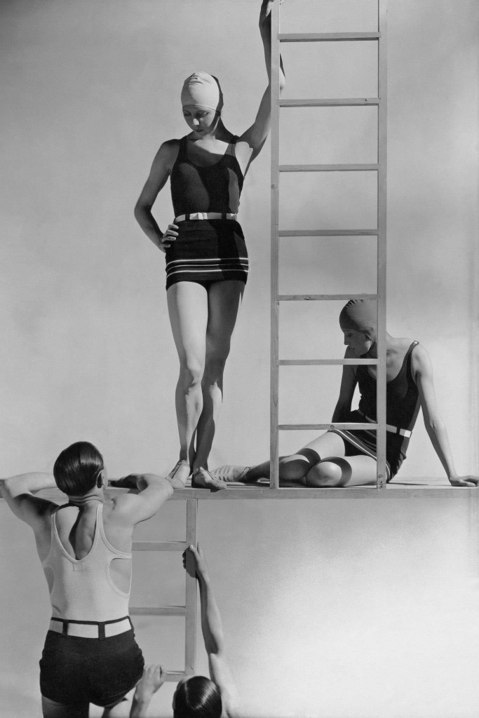 MODELS IN JERSEY SWIMWEARS - GEORGE HOYNINGEN-HUENE