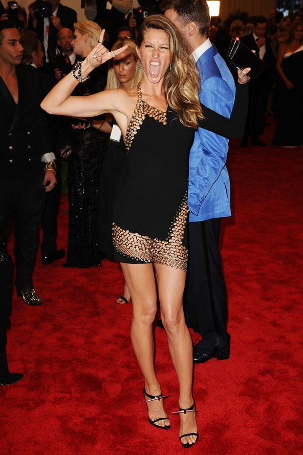 gisele-bundchen- anthony vaccarello
