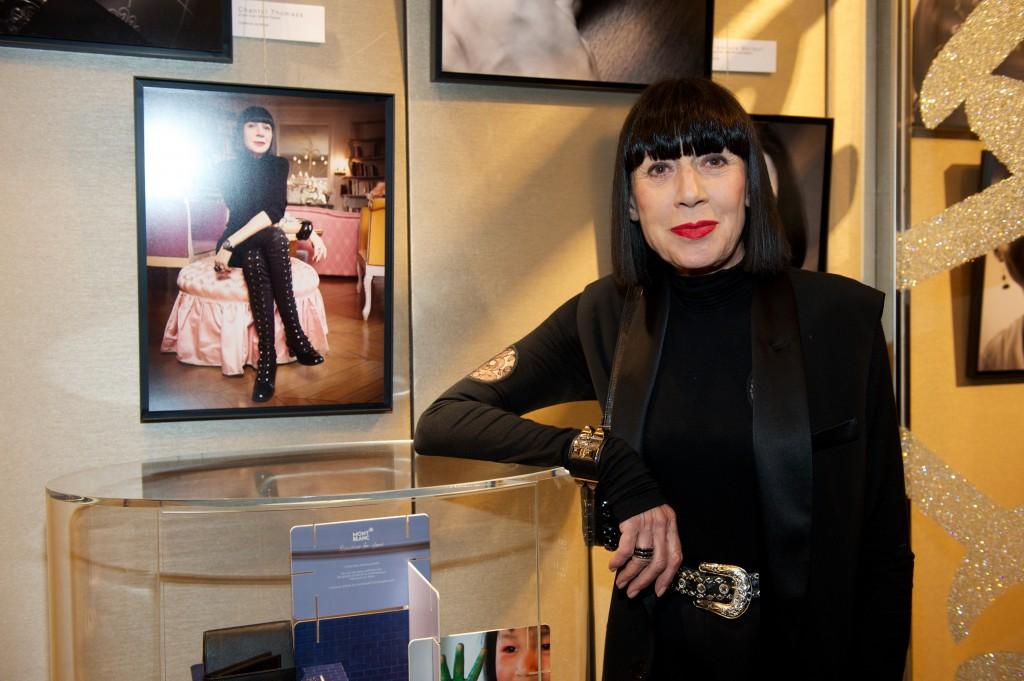 cris moi des mots d 39 amour l 39 exposition photo de la boutique montblanc maryo 39 s bazaar. Black Bedroom Furniture Sets. Home Design Ideas