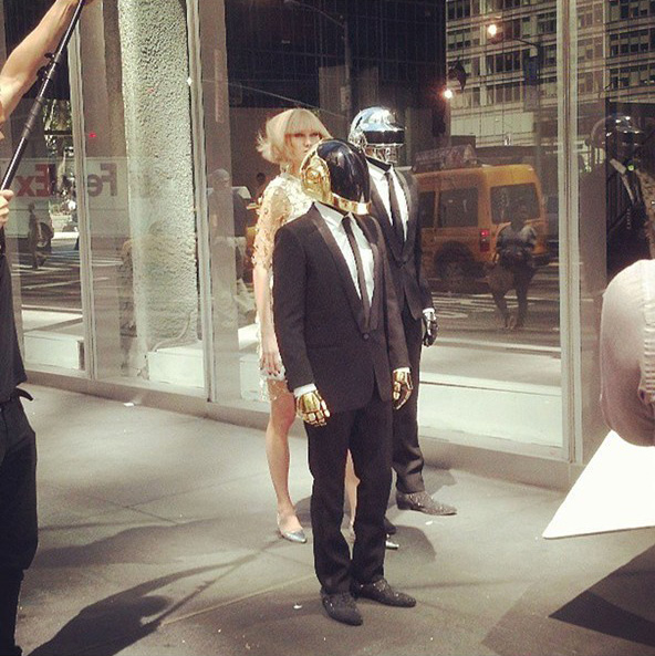 image003- Karlie-Kloss-Daft-Punk