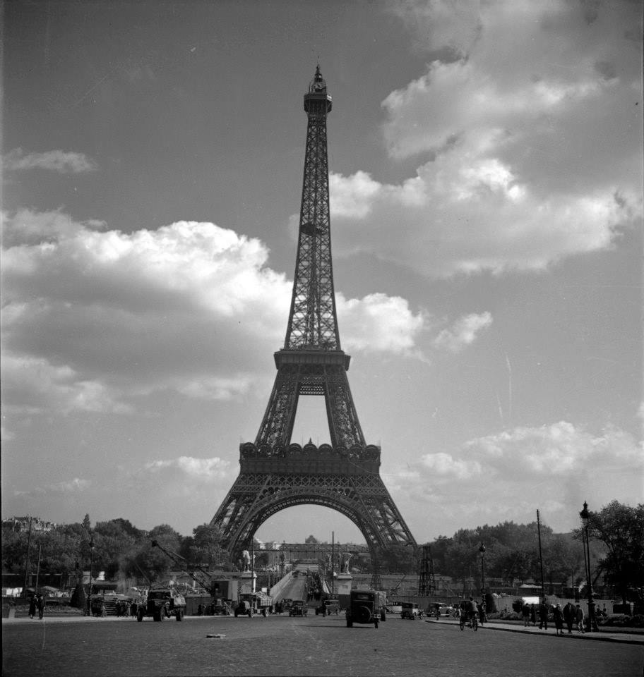 Le regard de cecil beaton s 39 expose chez sotheby 39 s maryo - Photo de tour eiffel ...