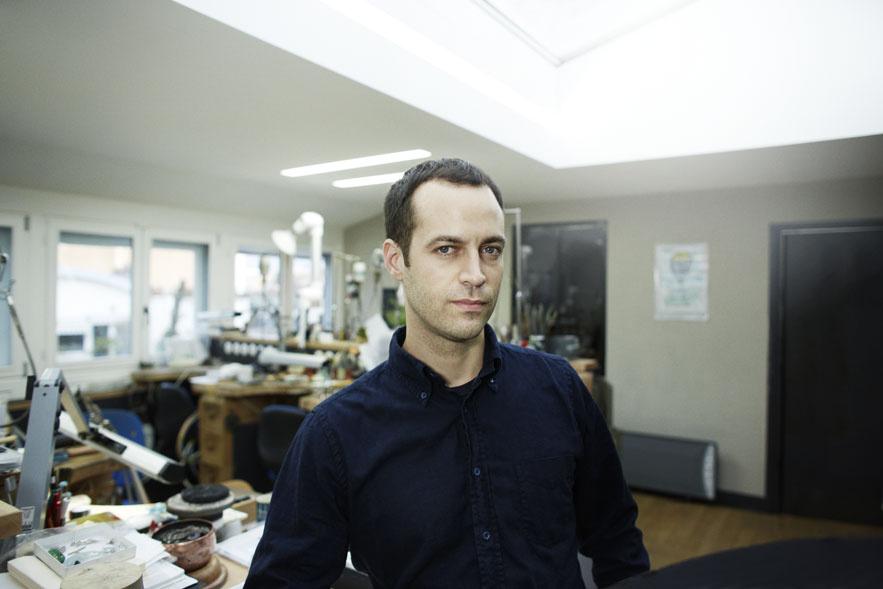 Benjamin Millepied dans les ateliers de Haute Joaillerie Van Cleef & Arpels Patrick Swirc © VanCleef&Arpels