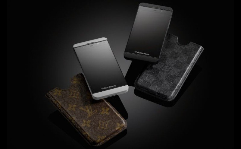 when-louis-met-berry-louis-vuitton-case-for-blackberry-z10_6