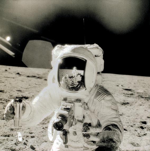 astronautonmoon