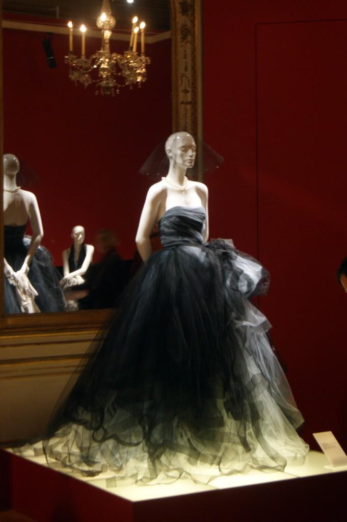 Oscar de la Renta. Robe de style en tulle et taffetas de soie collection Automne-Hiver 2012