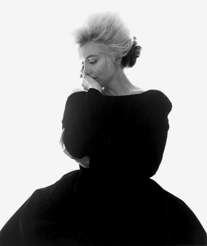 Marilyn-Monroe-Vogue-Black-Dress-1962