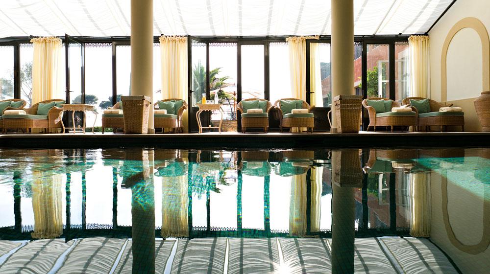 12 hotel du castellet