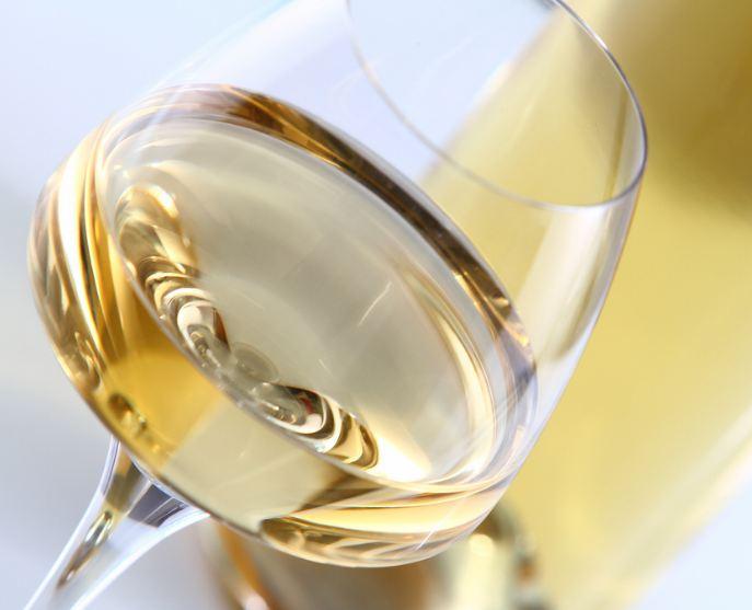verre-de-vin-blanc-3