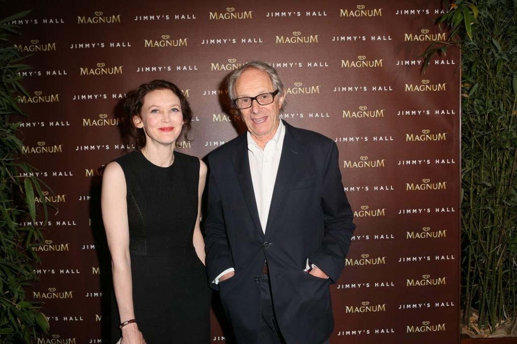 Ken LOACH et Simone KIRBY pour le film JIMMY'S HALL sur la plage MAGNUM CANNES