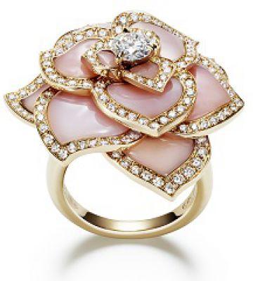 Bague en or rose opale rose et diamants blancs collection Rose Passion 2014