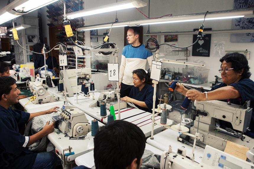 Aurelyen-aurelien-conty-peru-designer-workshop-sewing-print-fasion-gamarra-la-victoria-misericordia04