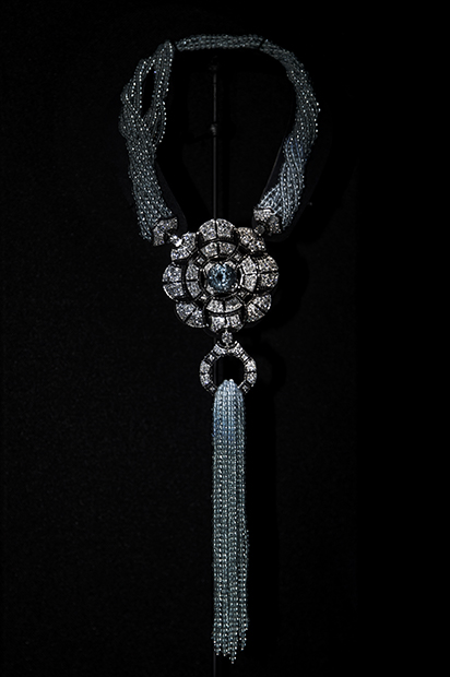 Chanel-Collection-Cafe-Society-Collier