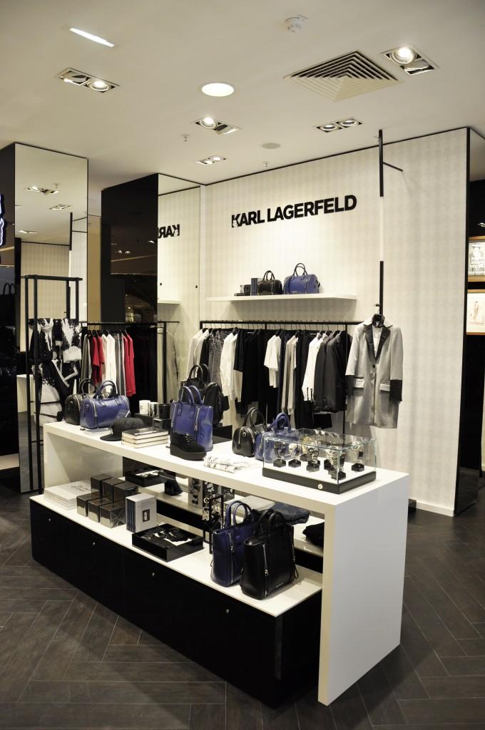 Karl Lagerfeld - Galeries Lafayettes 02