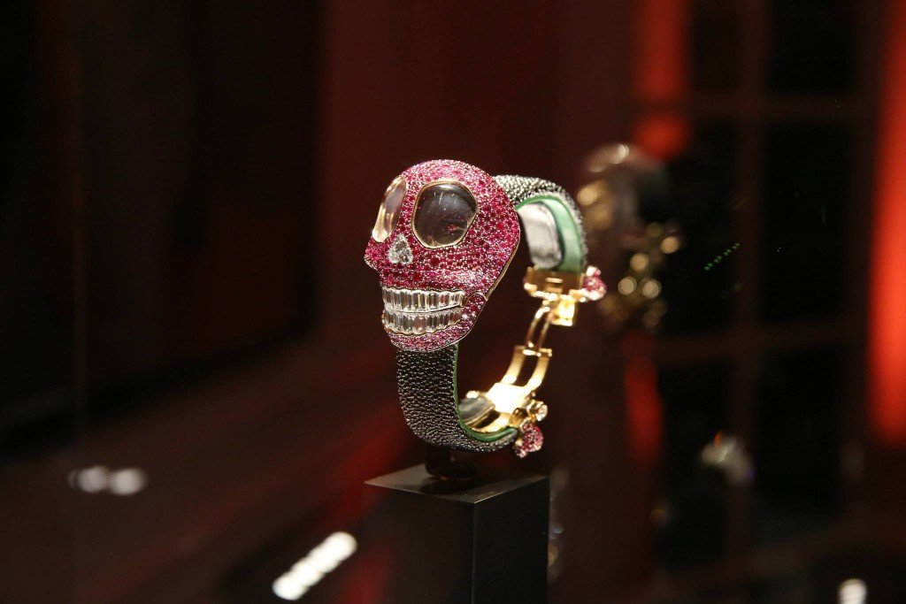 crazy skull watch 02