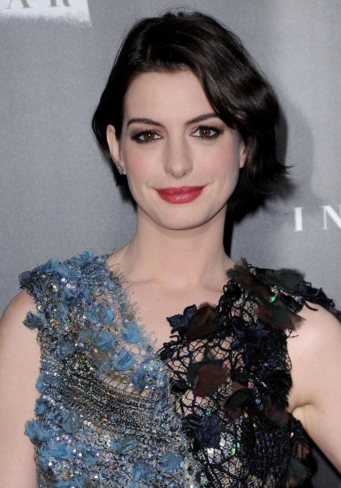 Anne-Hathaway-New-York-Premiere-of-Interstellar-2
