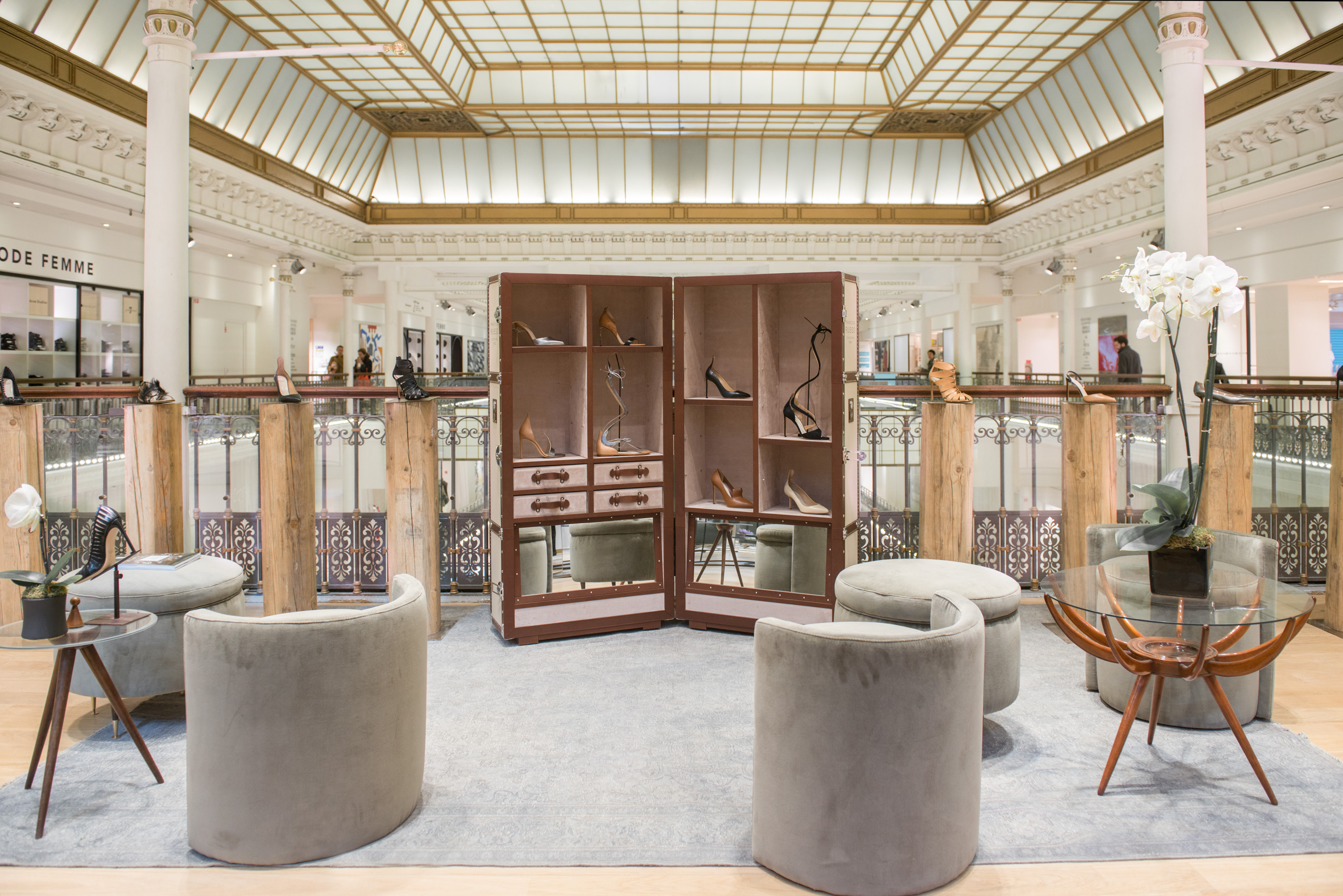 Le nouvel espace souliers du bon march rive gauche for Verriere jardin d hiver