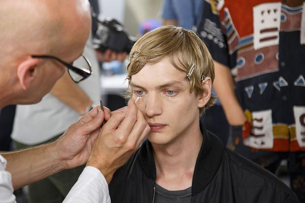 dries-van-noten-mens-backstage-spring-summer-2016-pfw26