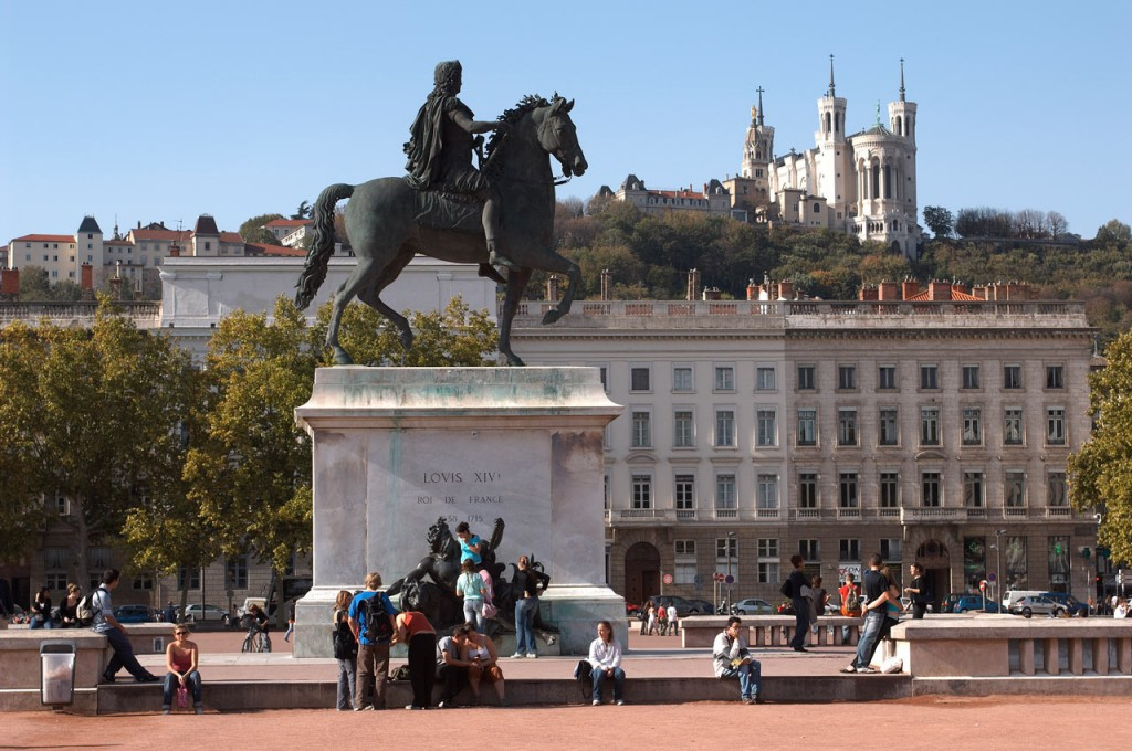 Statue-de-Louis-XIV-sur-la-place-Bellecour