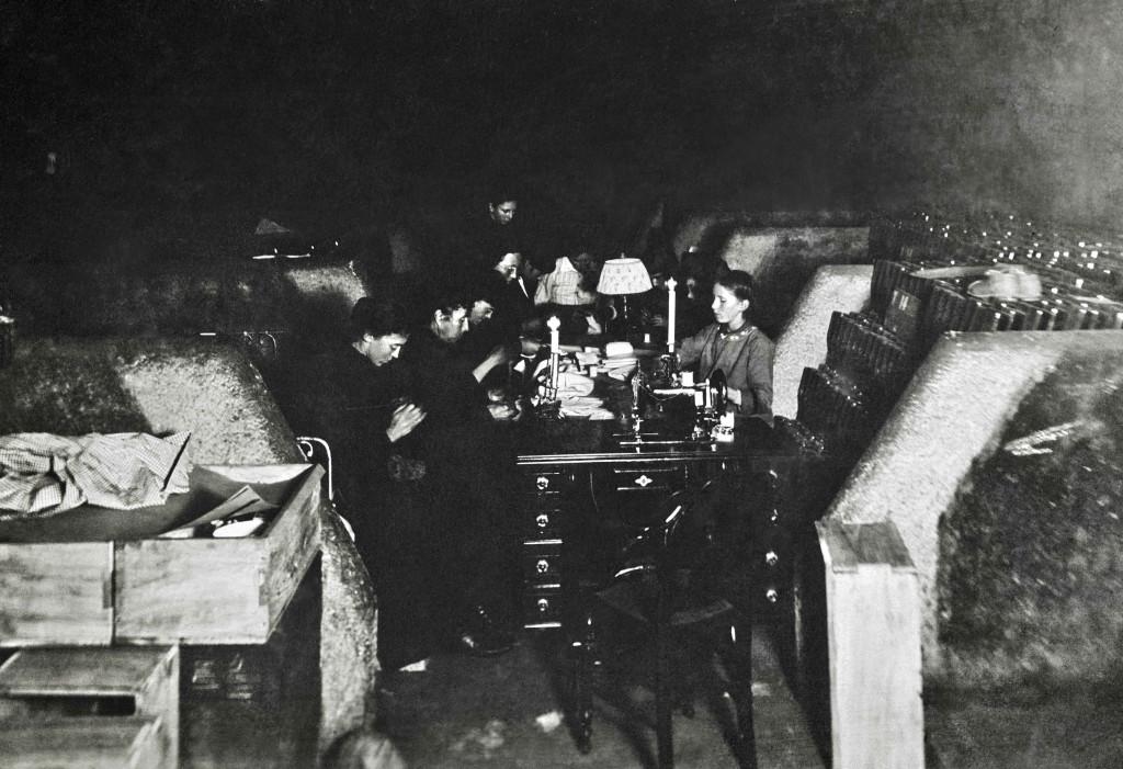 1915_cellars_women_sewing