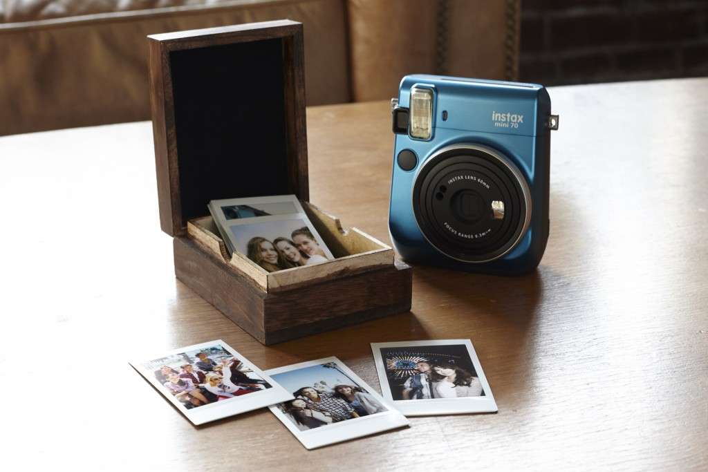 instax-mini-70-island-blue