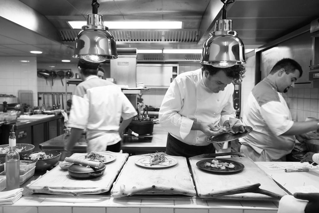 Armand Arnal en cuisine, restaurant La Chassagnette, Le Sambuc, Camargue, Arles, Bouches-du-Rhone (13), France