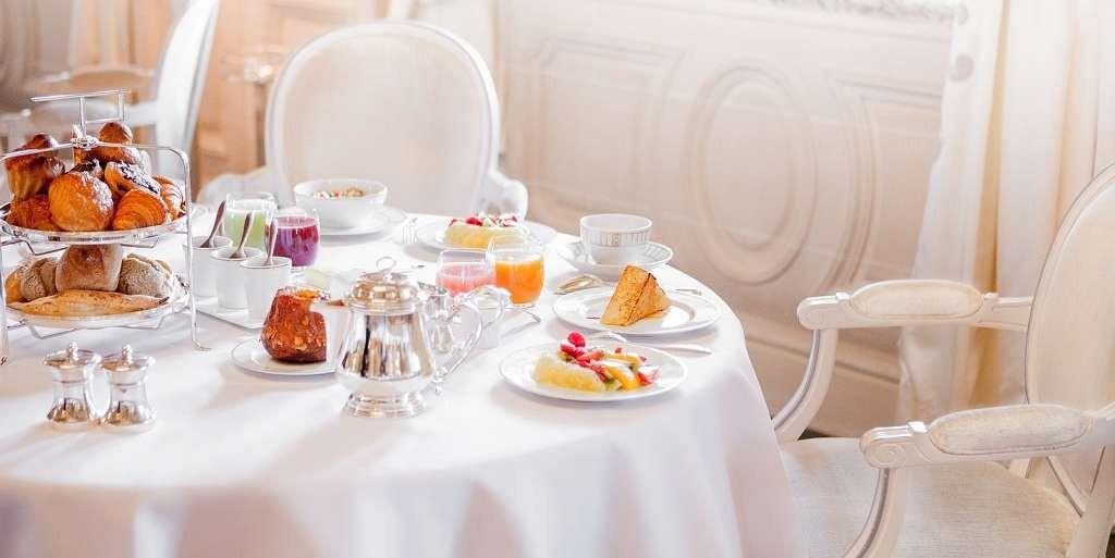 LMP-offers-breakfast-inclusive