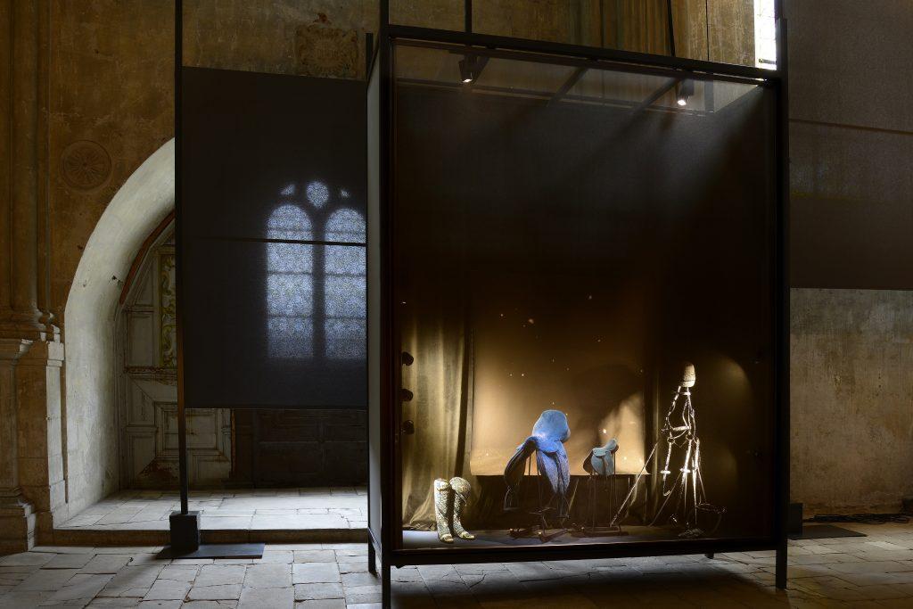 """exposition : """" le petit théatre de la démesure"""" pour la maison Hermès là la chapelle Saint Louis de Poitiers 2016"""