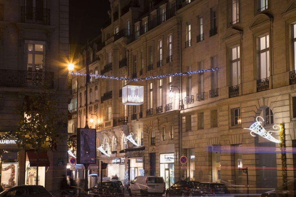 Baccarat illumine le faubourg Saint-Honoré_4 c Laurent Parrault