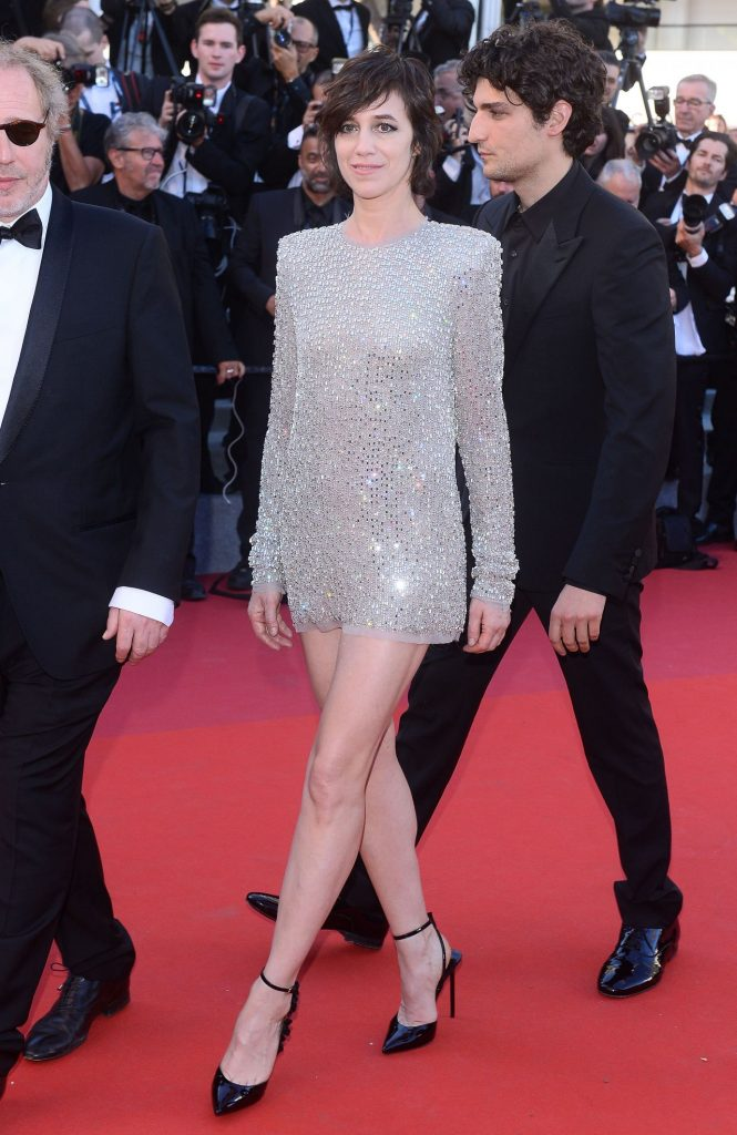 charlotte-gainsbourg-70th-cannes-film-festival-opening-ceremony-05-17-2017-5
