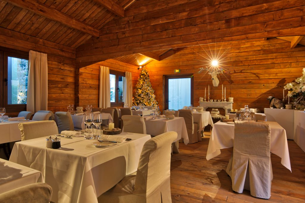 Chalet du Collectionneur - setp up restaurant 2