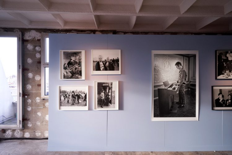 Burberrys-Here-We-Are-photography-exhibition-in-Paris_012-749x500