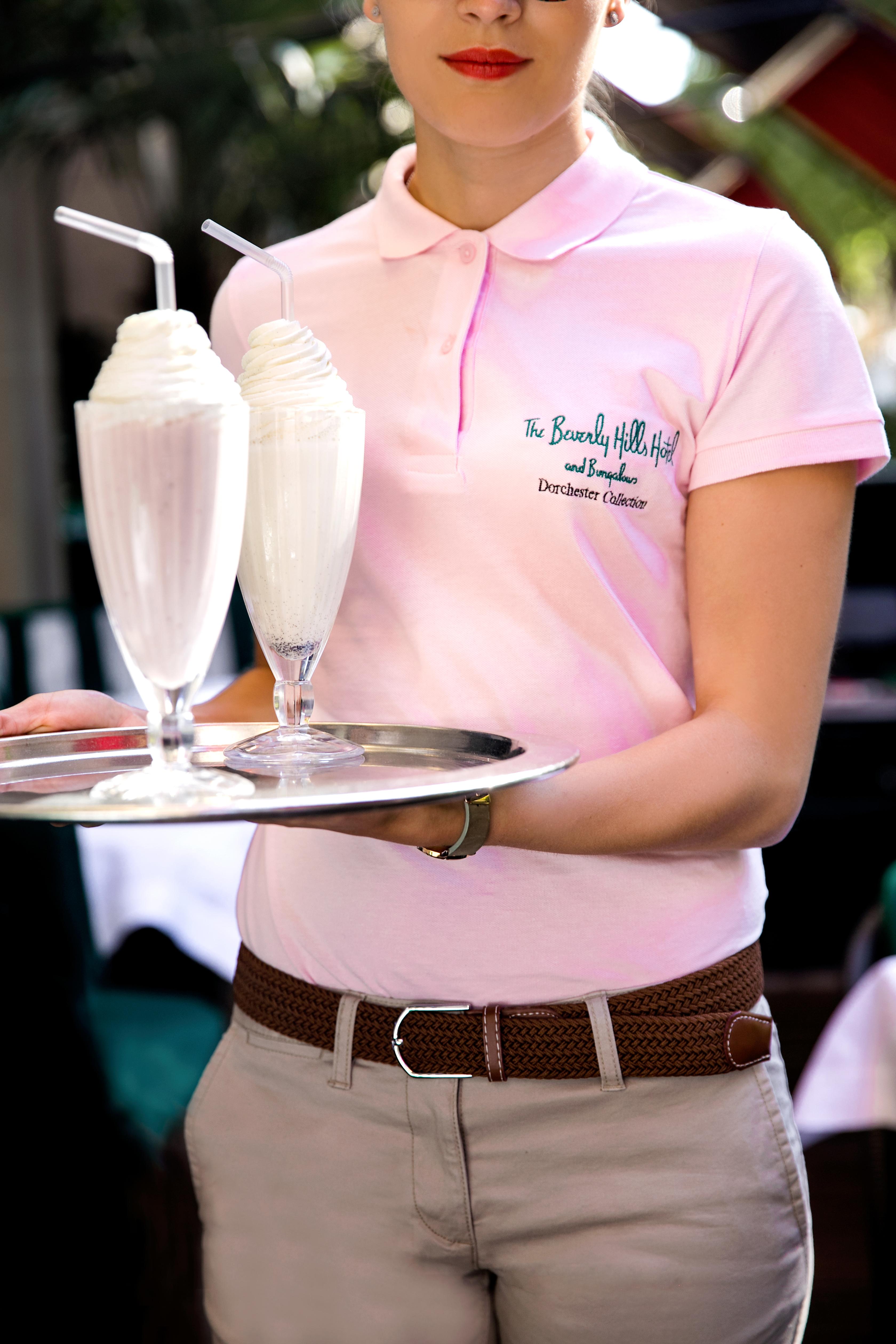 HPA-Cabana-Cafe-Strawberry-Milkshake-2-HR-by-Hana-Le-Van