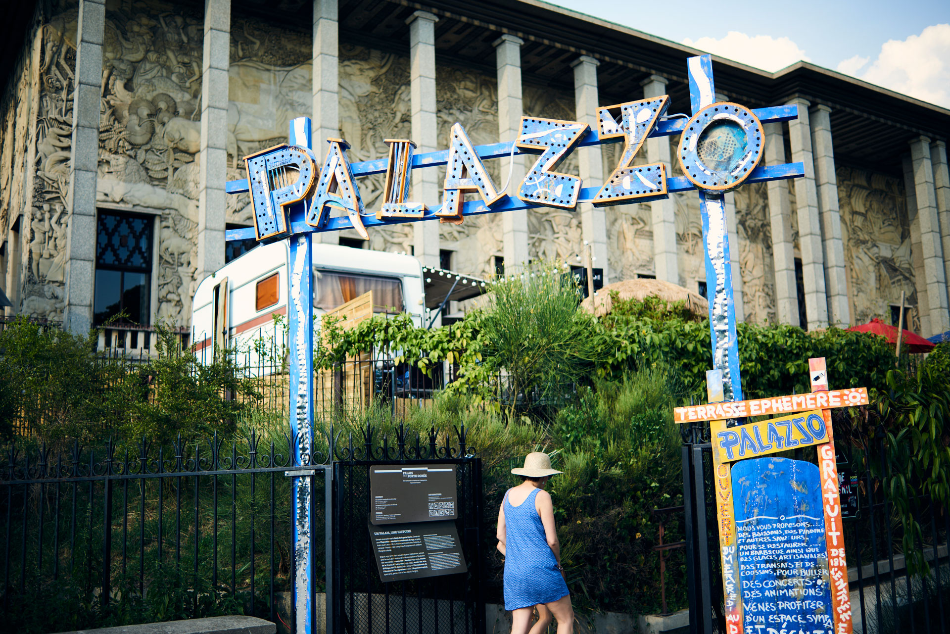 palazzo-la-terrasse-phmre-du-palais-de-la-porte-dore_36863700743_o