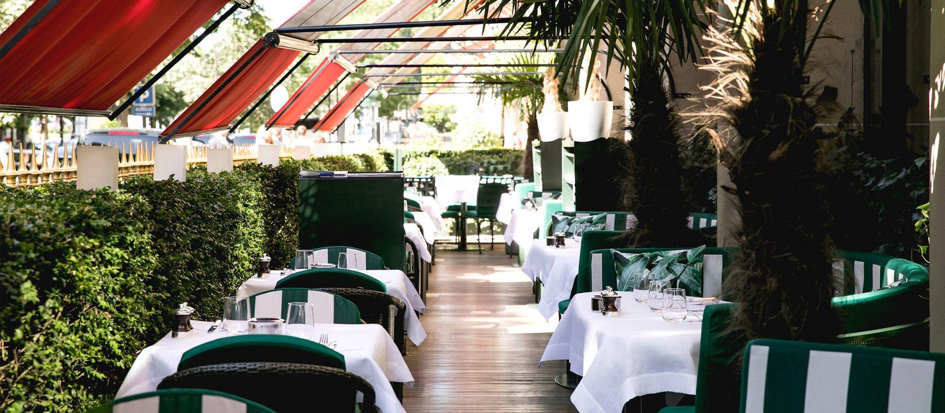 paris-plaza-athenee-la-terrasse-montaigne-cabana-1920x840