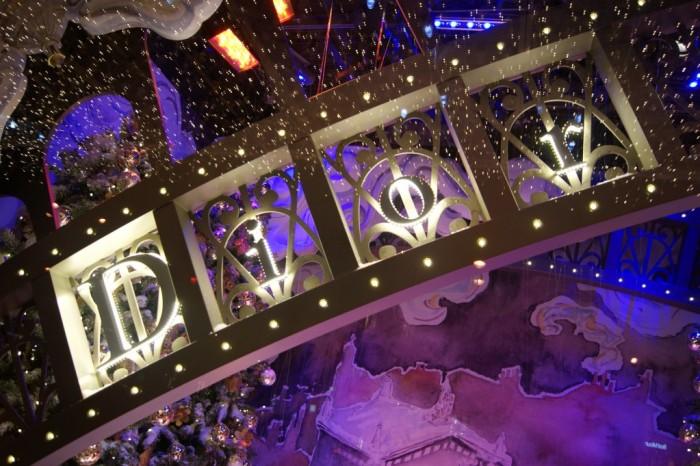 Les vitrines de Noël «Inspirations parisiennes » du Printemps Haussmann