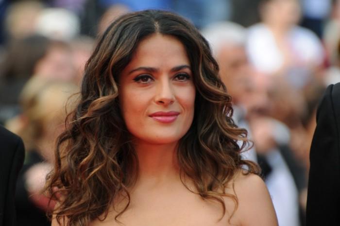 Adoptez la mise en beauté Red Carpet de Salma Hayek