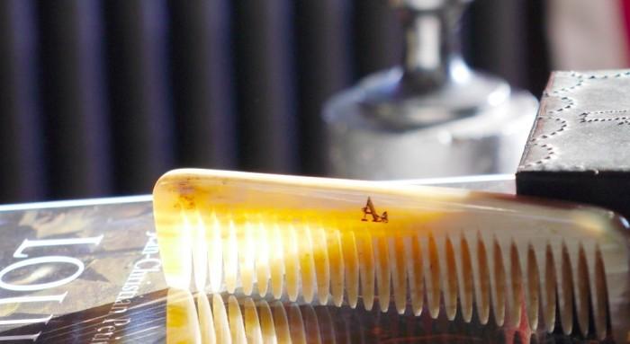 L'indispensable peigne Fiacre Guêpes et Papillons