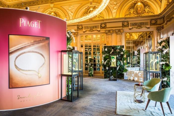La collection Sunlight Journey de Piaget s'expose à l'Hôtel de Paris Monte-Carlo