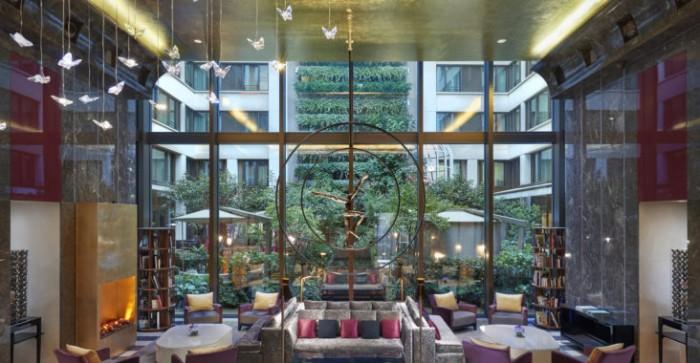 Le premier Christian Louboutin Nail Bar s'installe au Mandarin Oriental, Paris